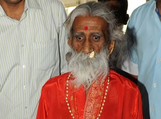 Indijski jogi, koji je tvrdio da 80 godina nije ni jeo ni pio, umro u 90. godini