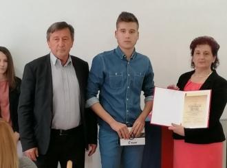 Nagrađen učenik generacije osnovne škole u Donjem Zabrđu
