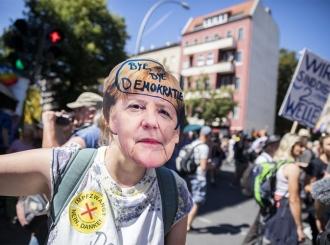 Hiljade ljudi na protestu protiv mjera u Berlinu