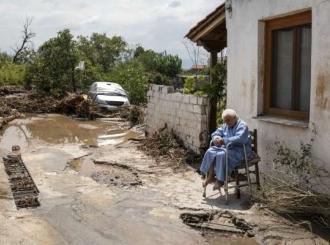 Razorno nevreme pogodilo grčko ostrvo: Petoro mrtvih, dvoje nestalih, desetine zarobljenih