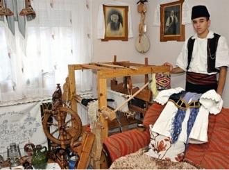 Počeo s 13 godina: Mladić iz Bijeljine čuva tkanje od zaborava
