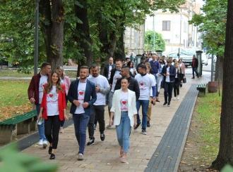 Mladi u šetnji za zdravo srce