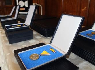 Posthumna odlikovanja za 18 boraca