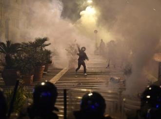 Neredi u Napulju zbog policijskog časa i novih mjera