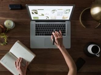 Obezbijeđeni laptopi za učenike koji nemaju vlastite