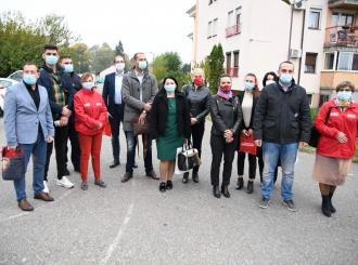 Razgovor odborničkih kandidata SNSD sa građanima u MZ Sokolski dom i Galac