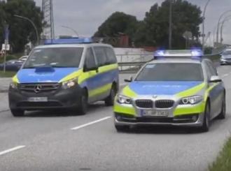 Vozač u Njemačkoj se zaletio u pješake na trotoaru, pogunulo dijete