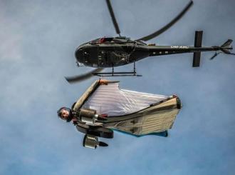 VIDEO Austrijanac uz pomoć BMW-a napravio revoluciju sa letačkim odijelom