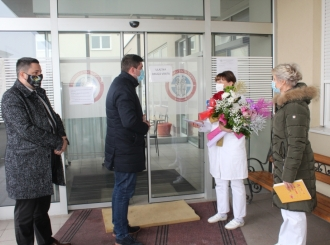 Gradonačelnik darovao bebe rođene prvog dana nove godine po julijanskom kalendaru