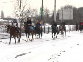 Velika Obarska – Snježne seoske puteve prošarali konji