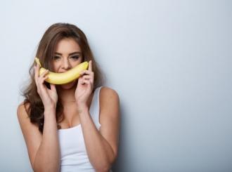 Bananom protiv bubuljica, podočnjaka i nepravilnosti na koži