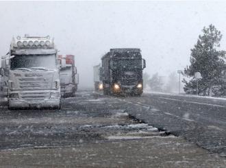Odsječen auto-put Zagreb-Split zbog snježne bure