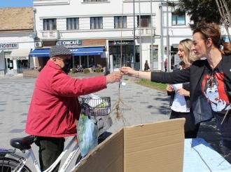"""Bijeljina: U okviru projekta """"Posadi svoj hlad"""" podijeljeno 220 sadnica bijelog jasena"""