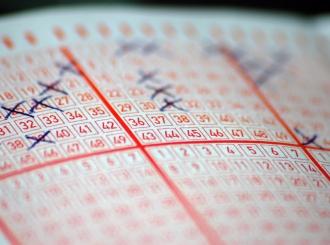 Istraživanje pokazalo na šta prvo troše novac dobitnici na lutriji