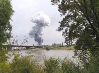 VIDEO Velika eksplozija u Njemačkoj: Oblak dima nad Leverkuzenom, građani upozoreni o ekstremnoj opasnosti