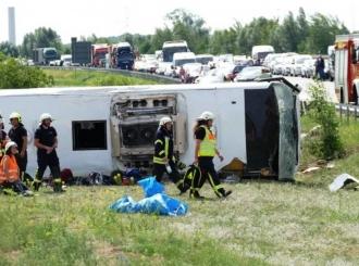 Kod Berlina se prevrnuo autobus iz Srbije, 19 povrijeđenih