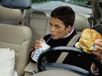 Deset namirnica koje su zabranjene za volanom