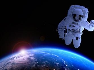 Četiri amatera astronauta odletjela u svemir