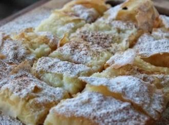 """Proslavite grčki Dan deserta uz tradicionalnu """"bugacu"""" sa kremom od vanile"""
