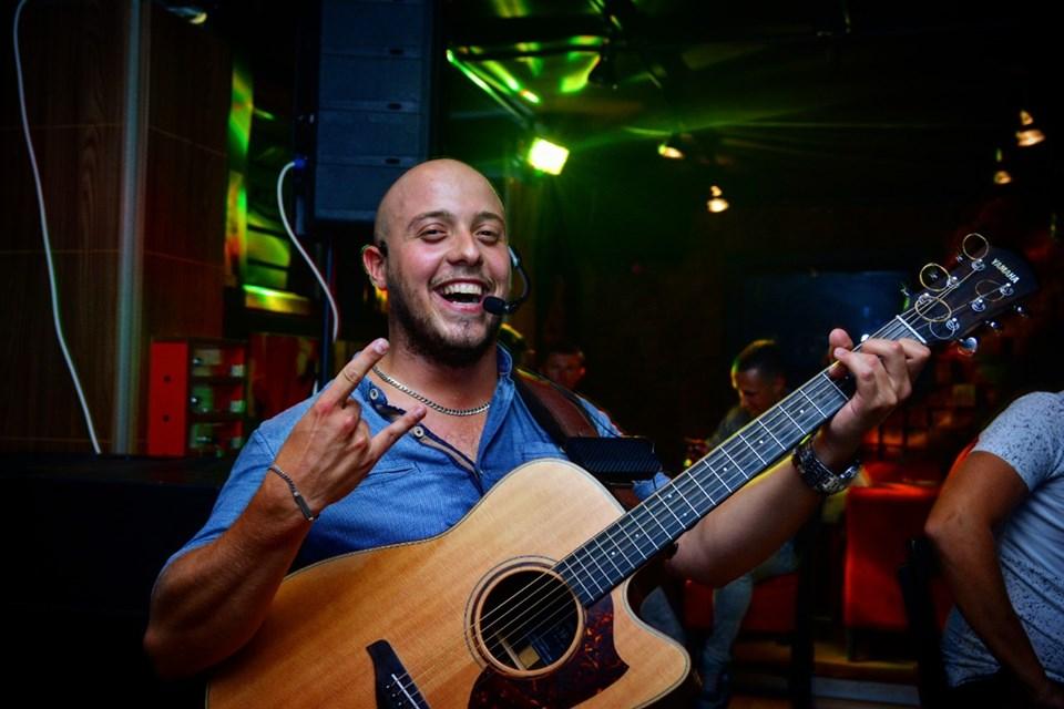 Vlado (acoustic)