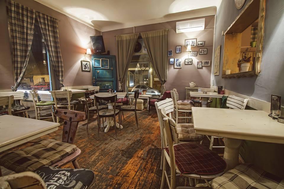 Bijeljina, Royal (acoustic) Kafe bar Smokvica