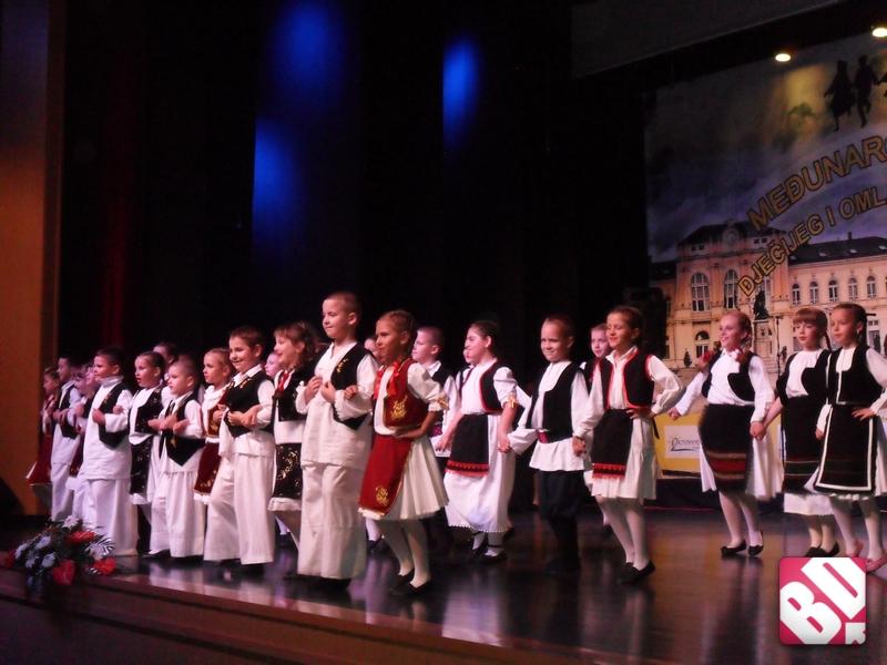 otvoren-medjunardni-festival-djecijeg-i-omladinskog-folklora-foto