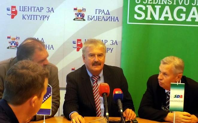 poziv-bosnjacima-da-glasaju-za-micu-micica