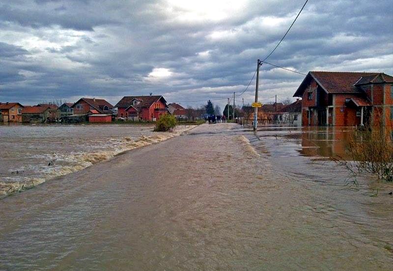 kad-je-ravnica-plakala-sjecanje-na-decembarske-poplave-2010-godine-foto