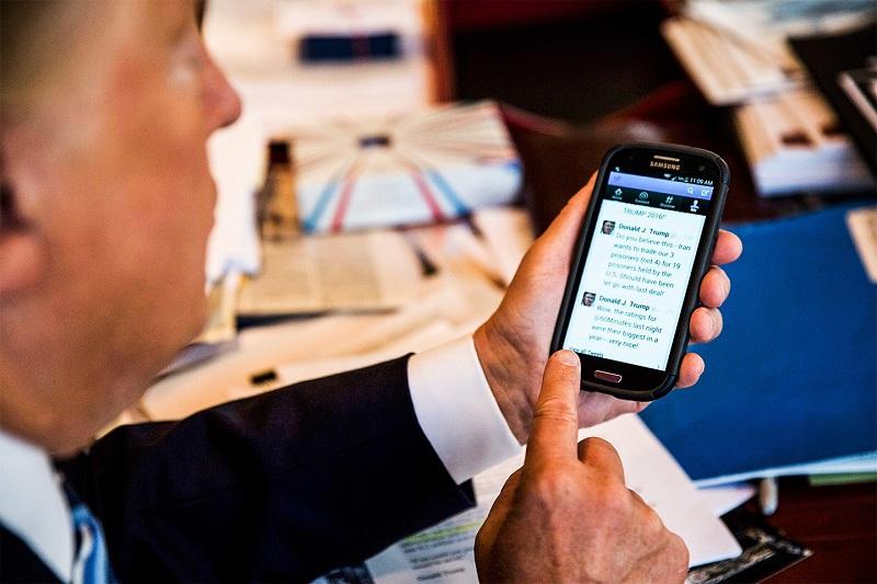 Frka zbog Trampovih telefona - zašto ih ne menja