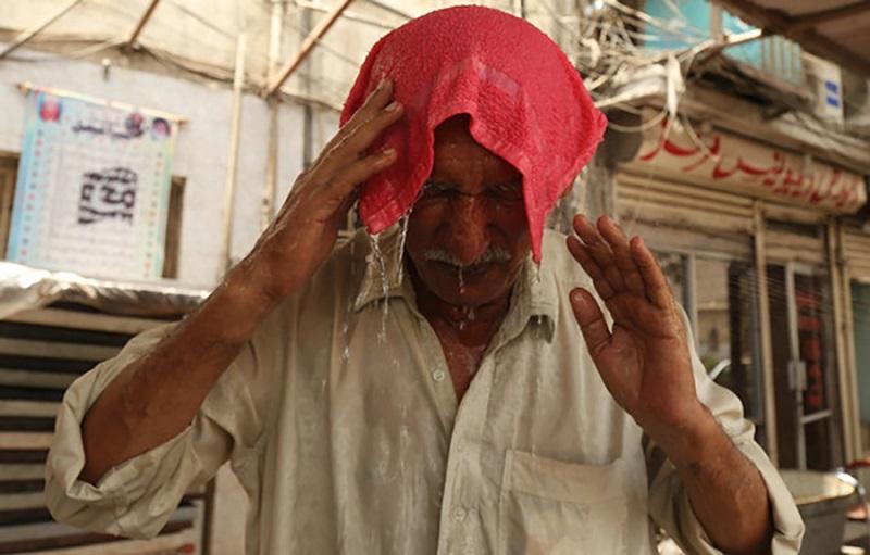 Vrućina u Pakistanu do sada ubila 65 ljudi, tijela u hladnjačama, a nestaje i struje