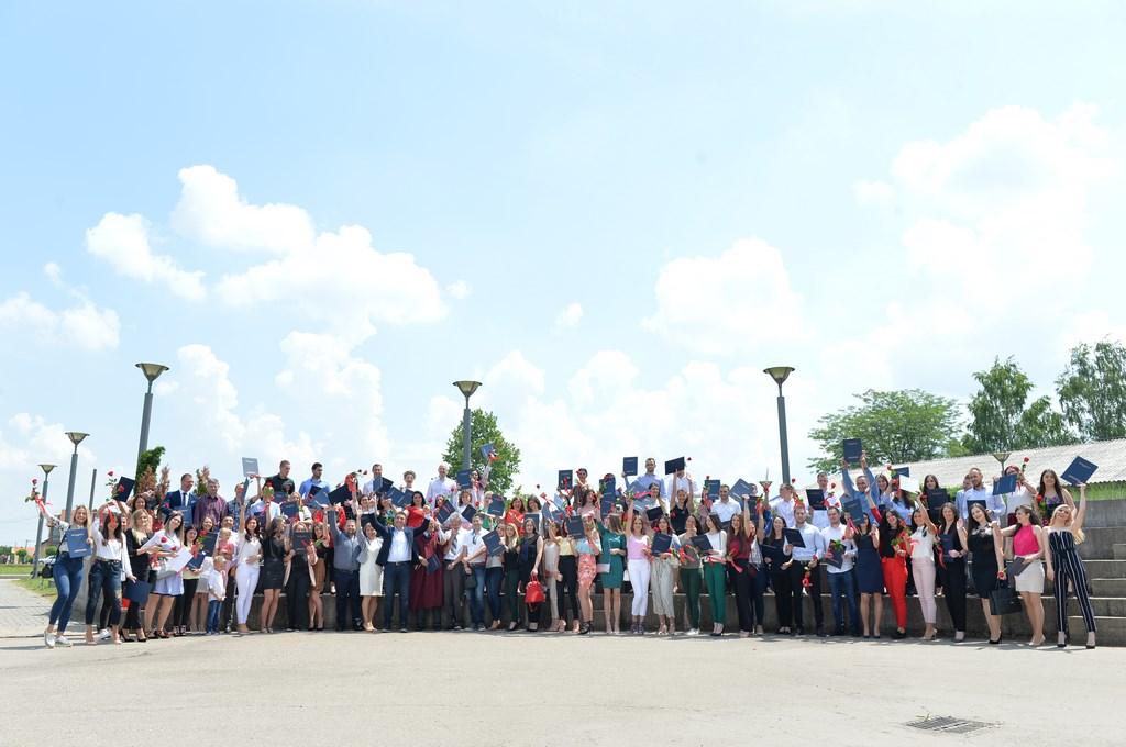 FOTO Promovisani diplomci Fakulteta poslovne ekonomije