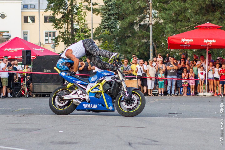 FOTO Dejan Špoljar izveo vratolomije na motoru