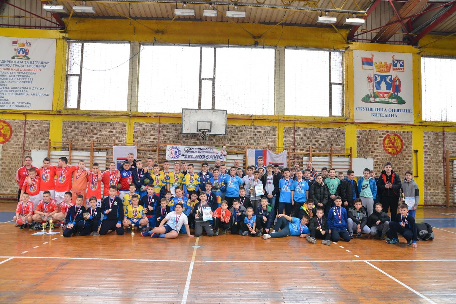 """FOTO Mladi """"Lavovi"""" osvojili peti memorijalni rukometni turnir Željko Savić"""