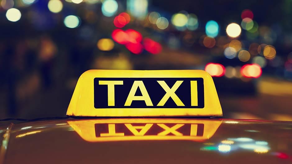 Roditelji izveli novorođenče iz porodilišta, pa ga zaboravili u taksiju