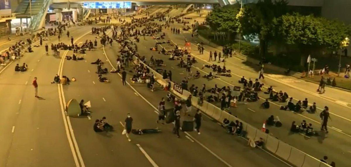 Hongkong: Demonstranti čistili ulice u pola tri ujutru