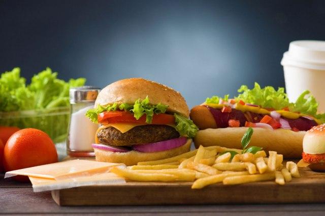 Naučnici apeluju: Industrija hrane šteti zdravlju ljudi - menjajte je