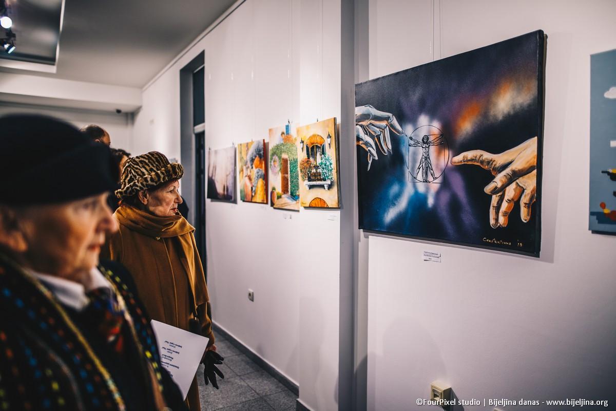 FOTO Decembarska izložba udruženja Sveti Luka: Likovni stvaraoci predstavili svoja djela