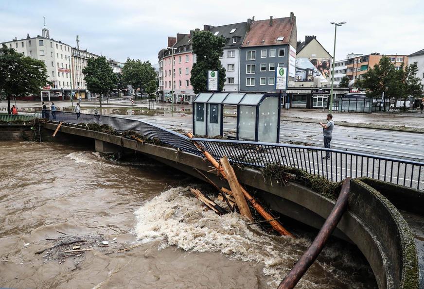 Drama u Njemačkoj se nastavlja: Pukla brana na rijeci Rur, evakuacija stanovništva