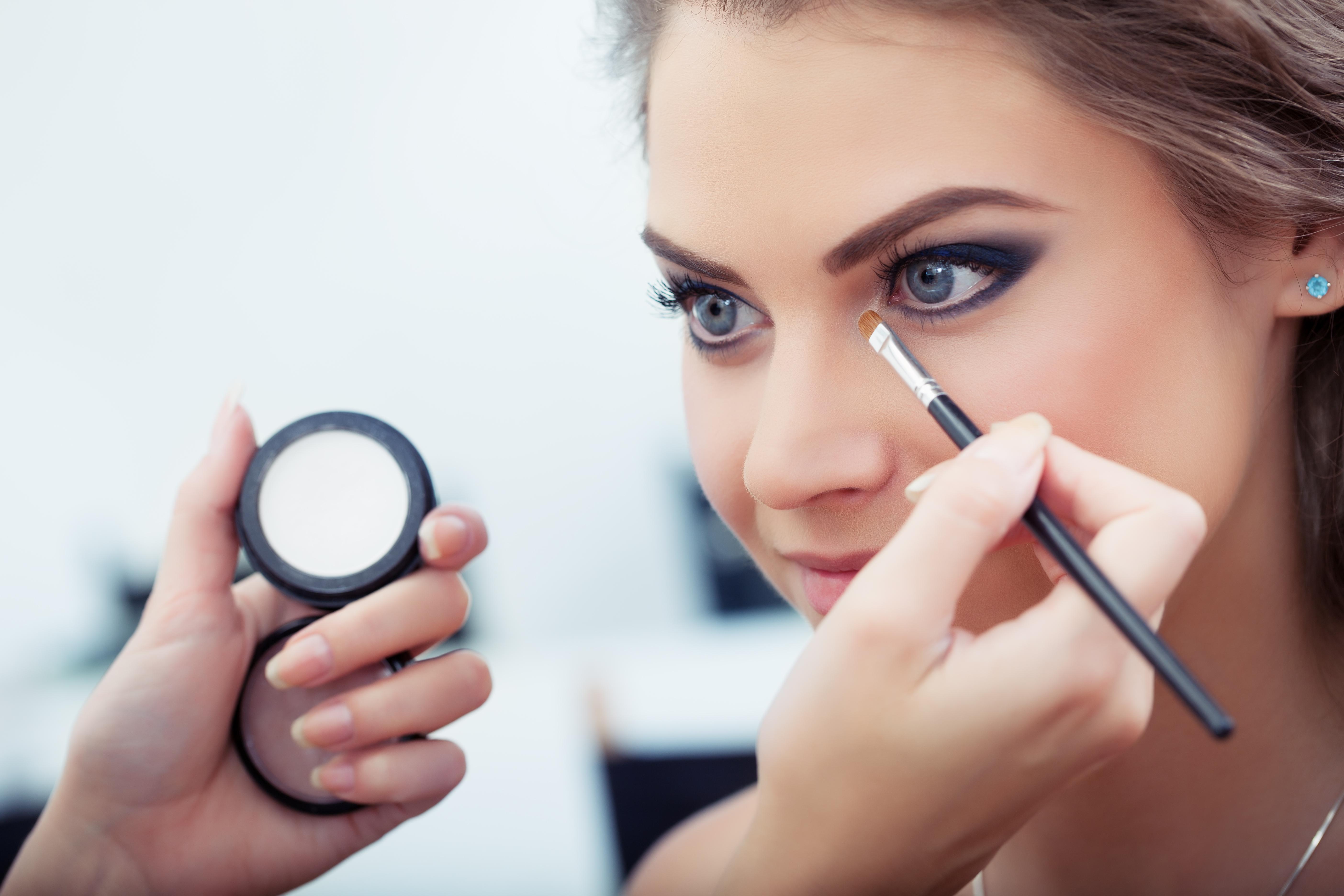 Kako da šminka traje duže tokom ljetnog izlaska?