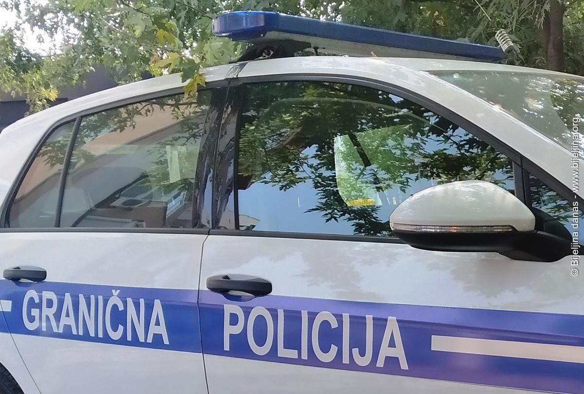Državljanin Srbije uhapšen na granici, falsifikovao dokumenta za ukradeni hamer