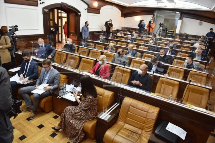 Na koronu pozitivno više osoba: Sjednica banjalučke Skupštine odgođena do daljnjeg