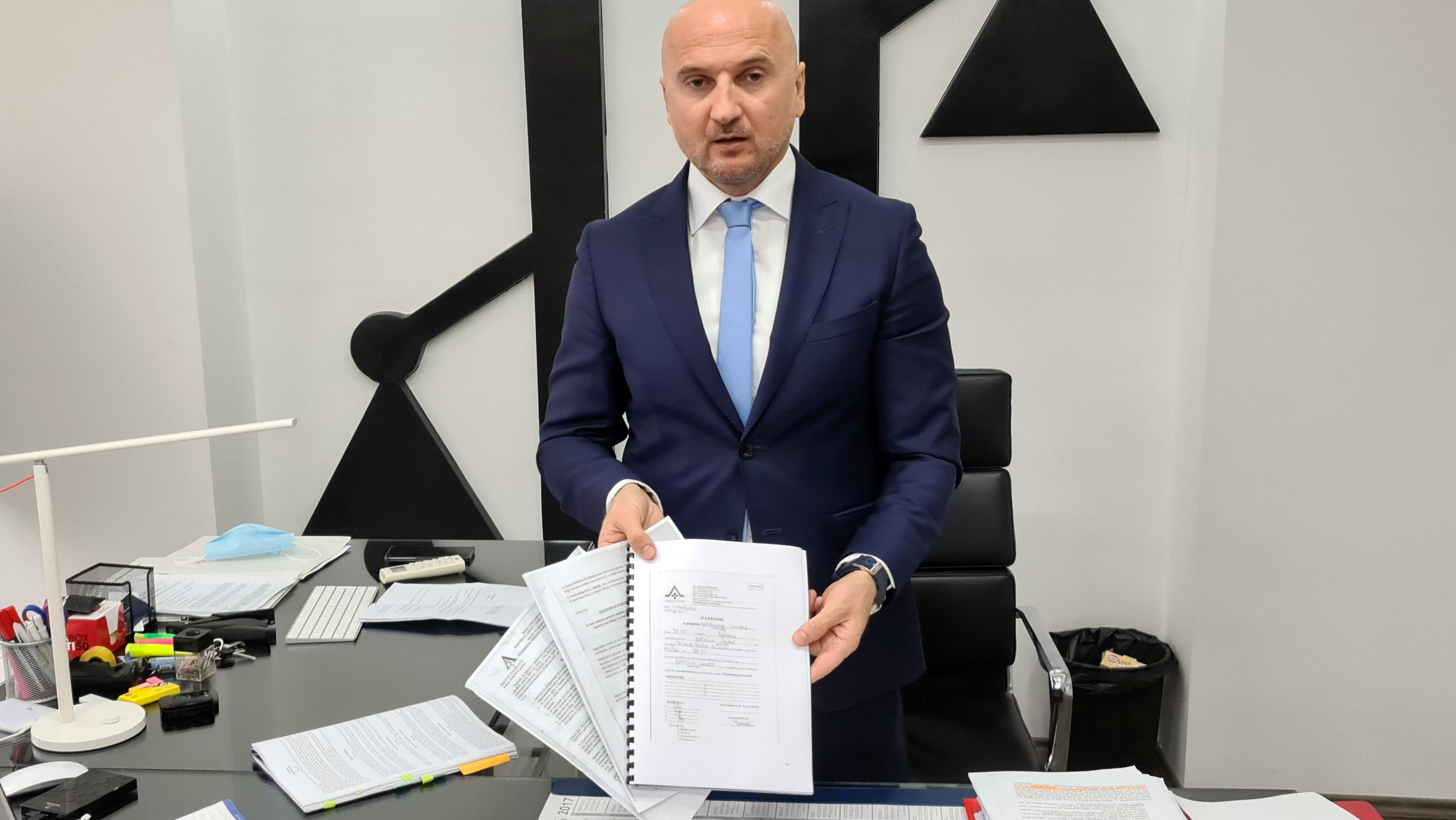 Advokat: Direktor dobojske Bolnice Mladen Gajić nije kriv, dokazi osporavaju navode tužilaštva