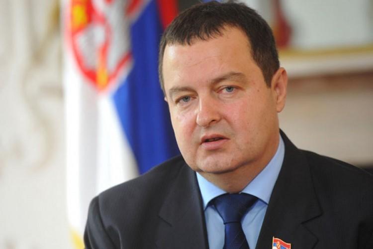 Dačić: Međunarodna zajednica da odluči - rat ili mir