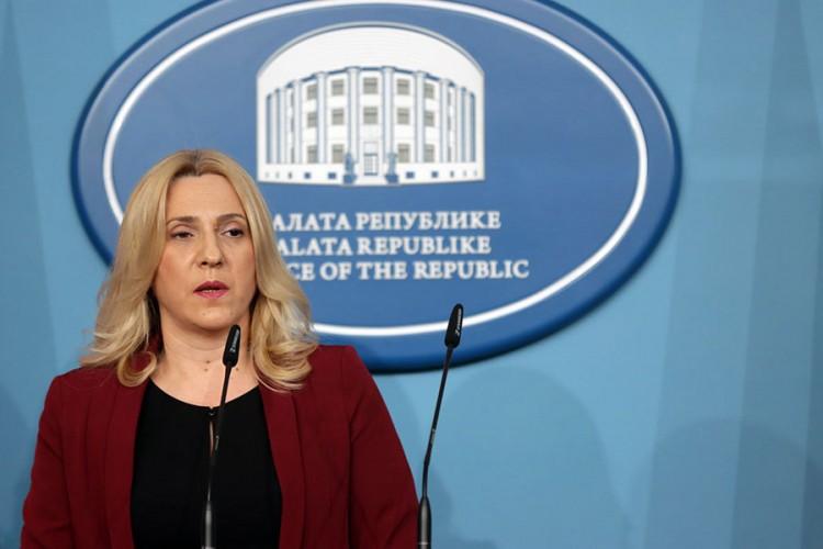 Cvijanovićeva Šaroviću: Ukoliko ste vi stvorili Ustav, utoliko je vaša sramota veća